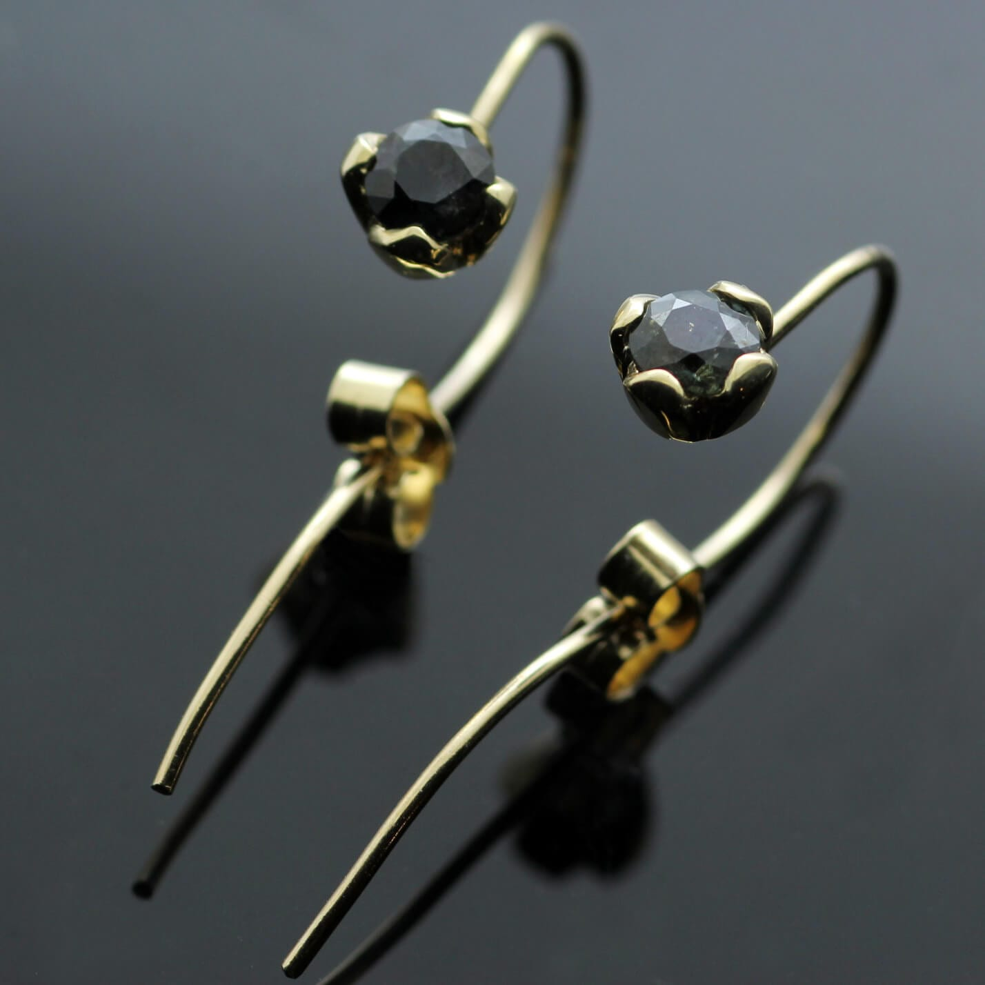 Contemporary Round Brilliant Sapphire gemstone Yellow Gold handcrafted earrings