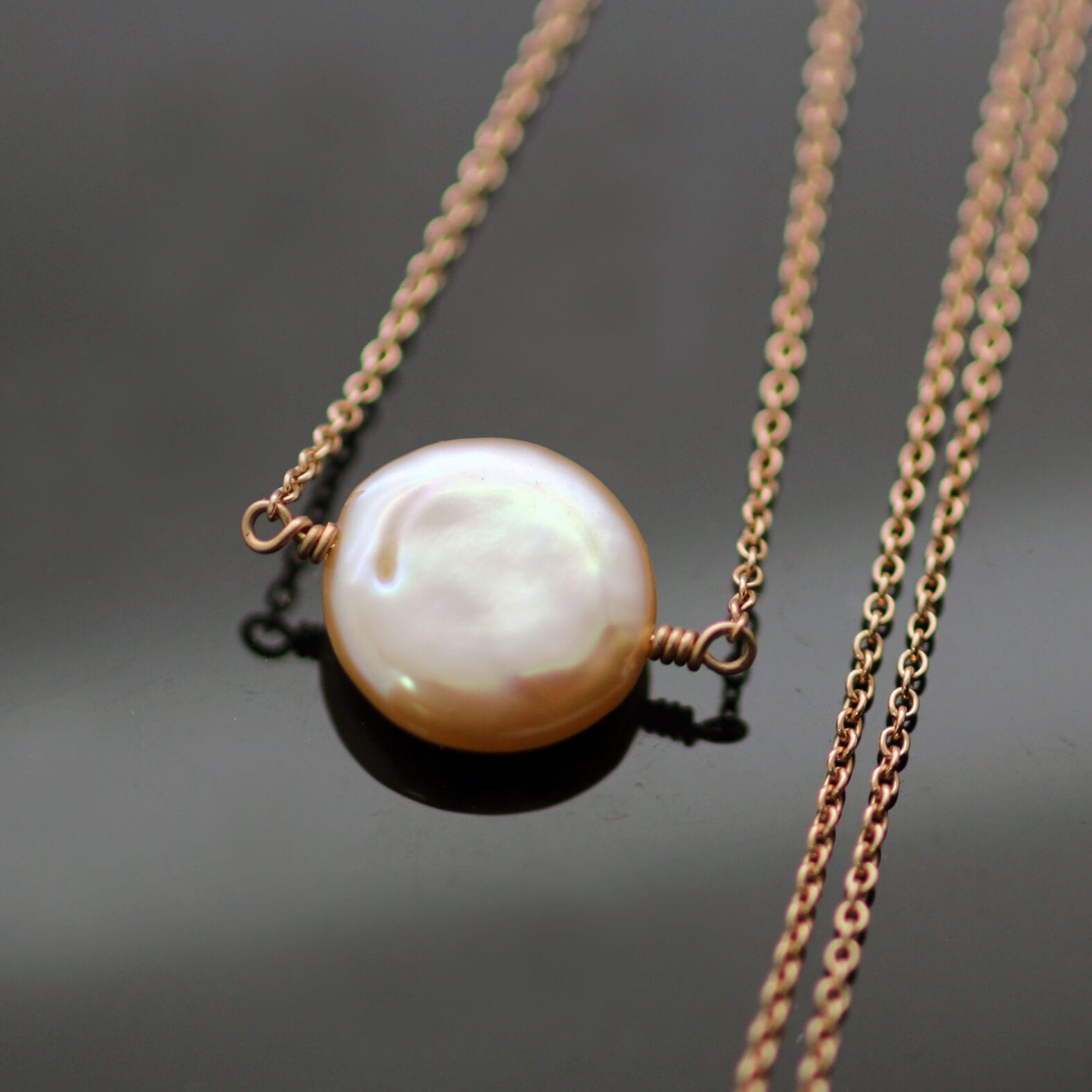 Button dusty pink Pearl Rose Gold pendant