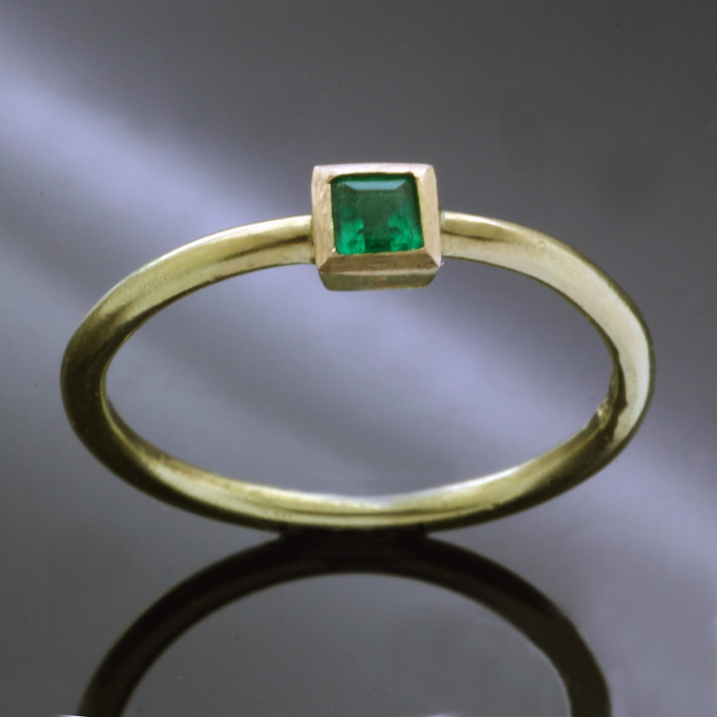 Square cut Emerald precious gemstone handmade Yellow Gold ring