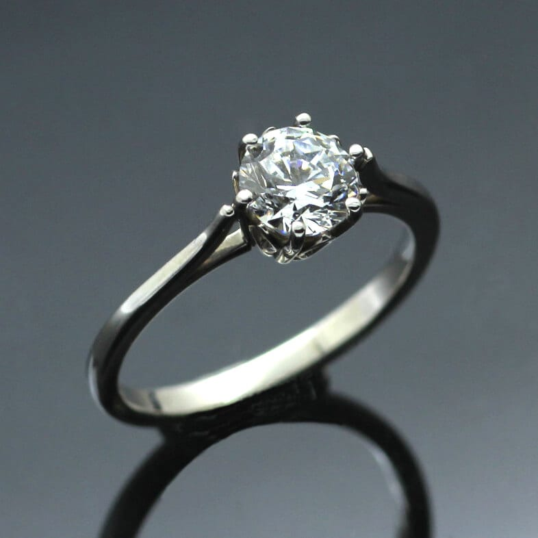 Round Brilliant 0.75ct Diamond set in Platinum engagement ring
