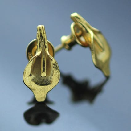 Yellow Gold floral stud earrings handcrafted