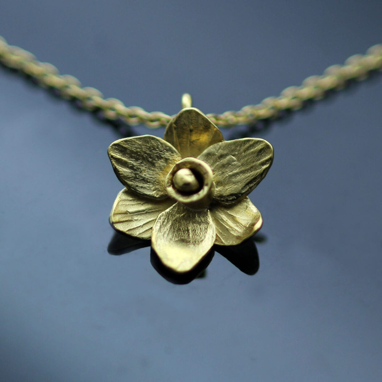 Unique floral Daffodil Yellow Gold necklace
