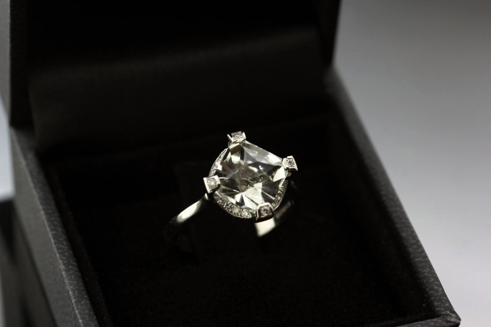 Bespoke, handcrafted Gatsby Platinum engagement ring by Julian Stephens