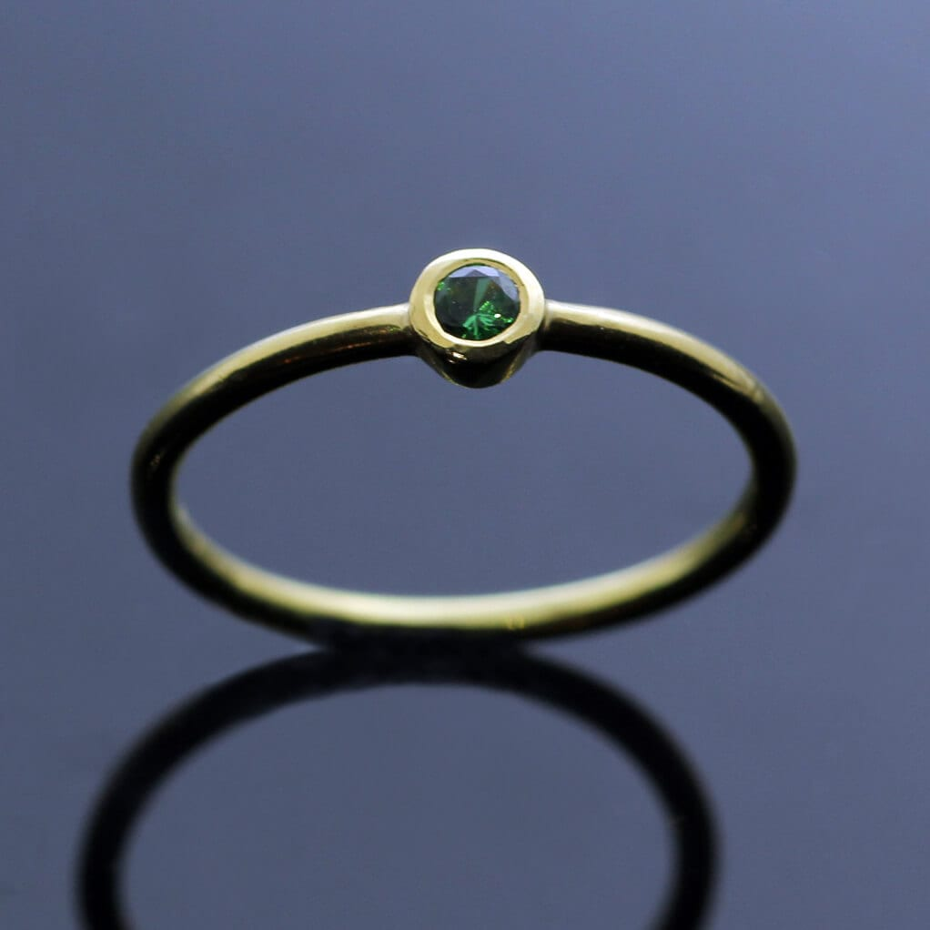 Handcrafted modern stacking ring Yellow Gold Green Garnet gemstone