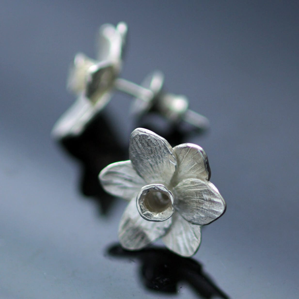Modern floral stud earrings silver daffodil charm