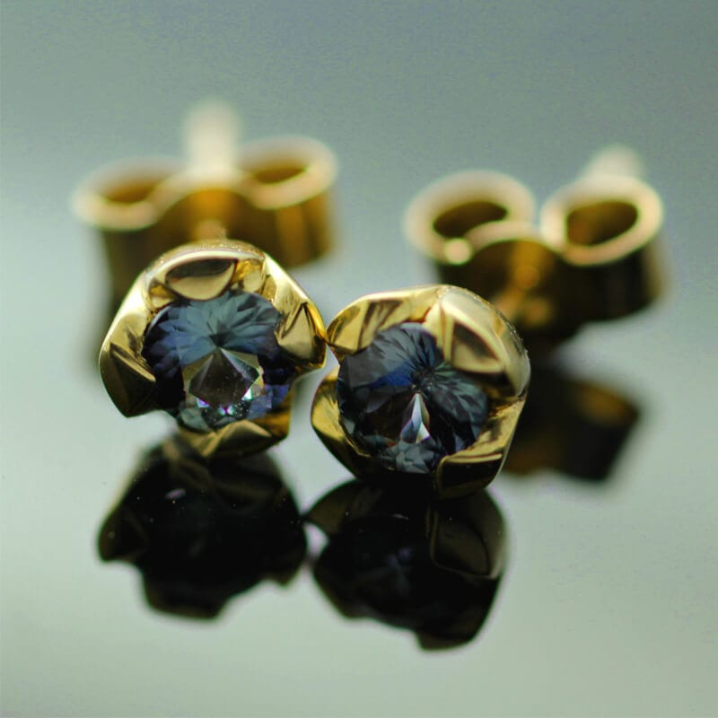 Round Brilliant Sapphire colour change gemstone Yellow Gold stud earrings