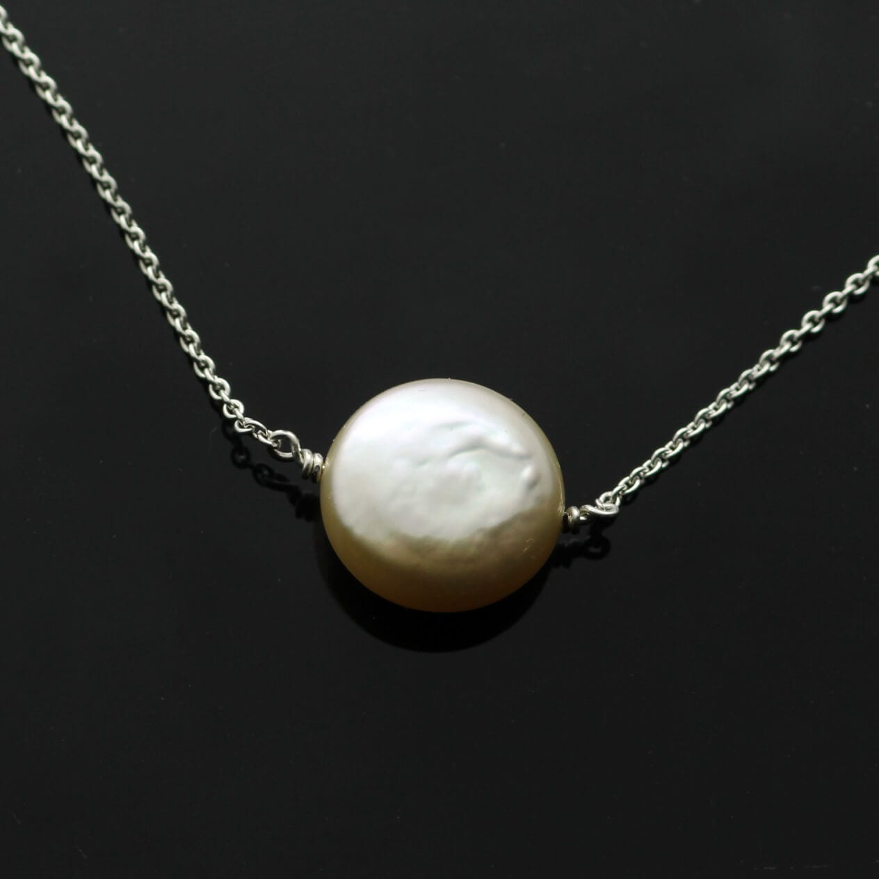 Elegant modern Cream button Pearl Sterling Silver necklace