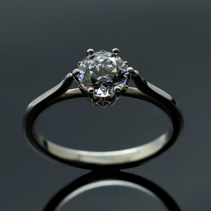 Round Brilliant Diamond Platinum engagement ring by Julian Stephens