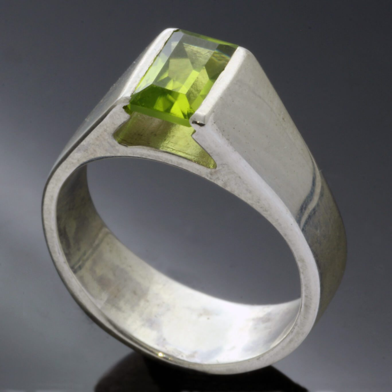 Baguette cut Peridot set in solid Silver modern handmade ring